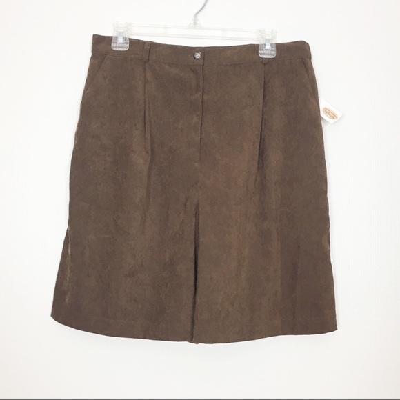 Talbots Pants - NWT Talbots Vintage High Waisted Brown Shorts 14